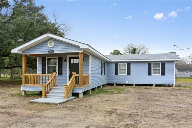 2226 PAUL MAILLARD Road Luling, LA 70070