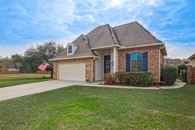 124 MOUNT CARMEL Court Covington, LA 70435