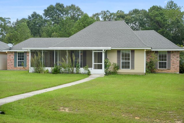 50 Smallwood Drive Picayune, MS 39466