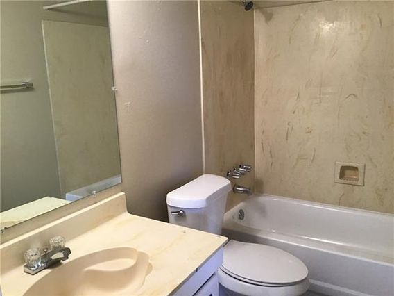 2113 N WOODLAWN Drive - Photo 3