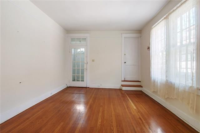 2209 BROADWAY Street - Photo 3