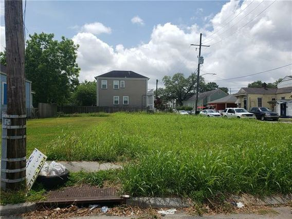 2728 FOURTH Street New Orleans, LA 70113