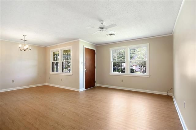 149 COVENTRY Court - Photo 3