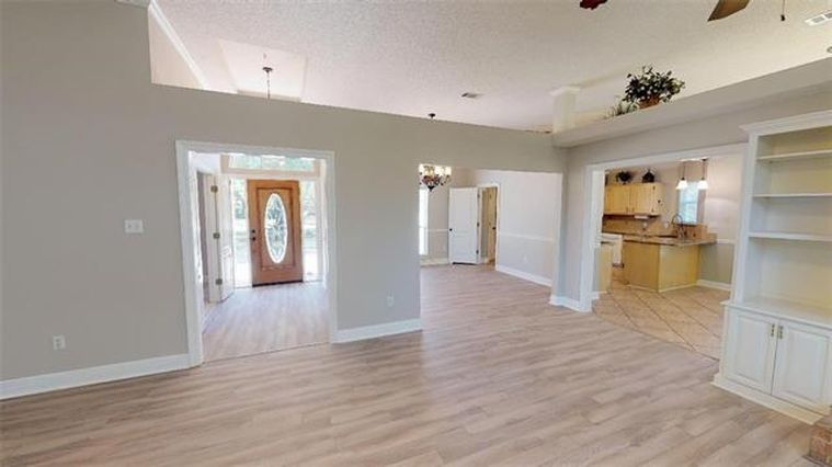 1408 LAKE VILLAGE Boulevard - Photo 3