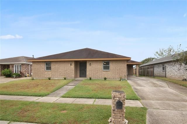 11251 FERNLEY Drive New Orleans, LA 70128