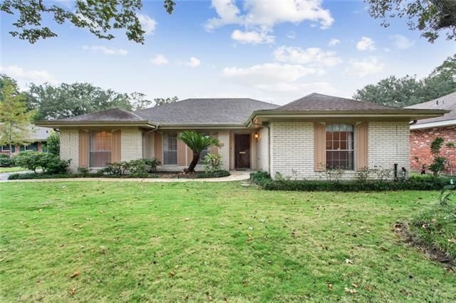 10025 IDLEWOOD Place River Ridge, LA 70123