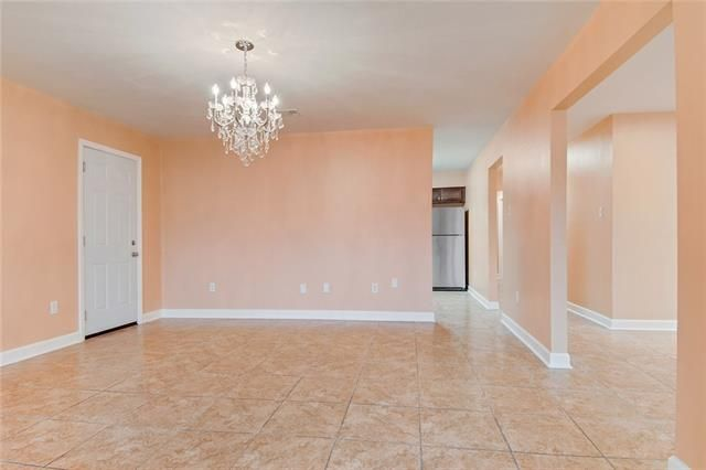 2701 ORCHID Street - Photo 2