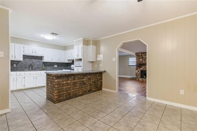 4056 SHAWN Drive - Photo 3