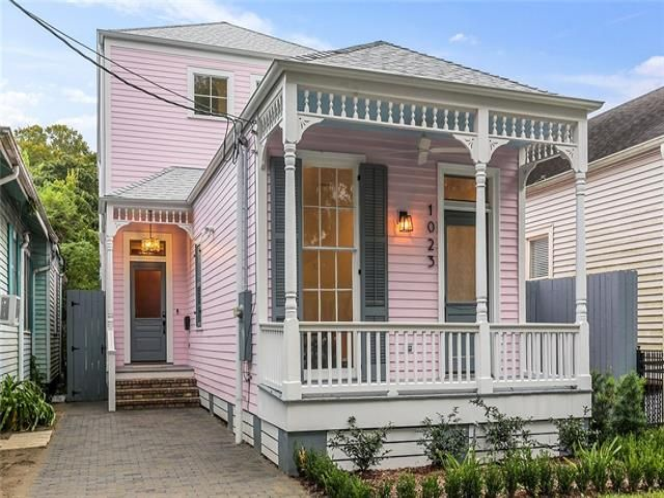 1023 HILLARY Street New Orleans, LA 70118