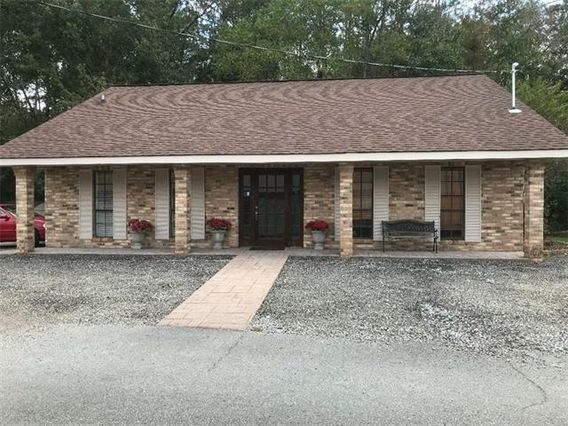198 COMMERCIAL Square Slidell, LA 70461