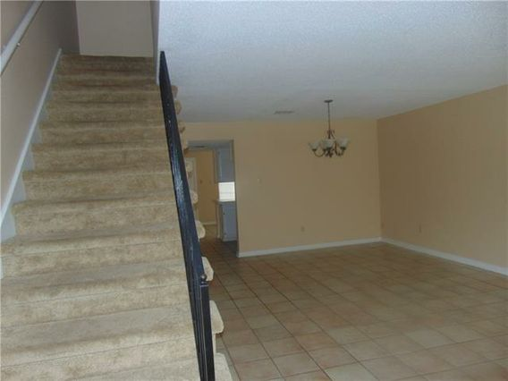 4133 CHATEAU Boulevard D - Photo 3