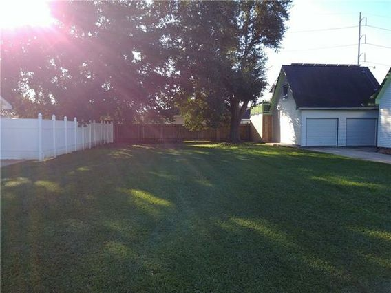 39979 LINDEN Street - Photo 2