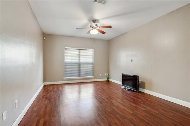 2703 BEAUMONT Place - Photo 3