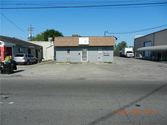 4617 DOWNMAN Road - Photo 2