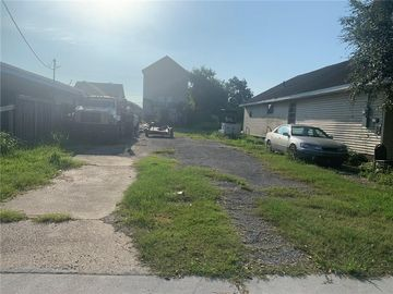 1829 LAMANCHE Street New Orleans, LA 70117