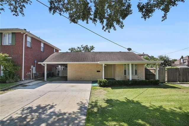 210 SHARON Drive New Orleans, LA 70124