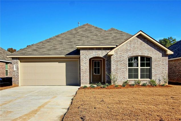 28452 LONGFELLOW Lane Albany, LA 70711