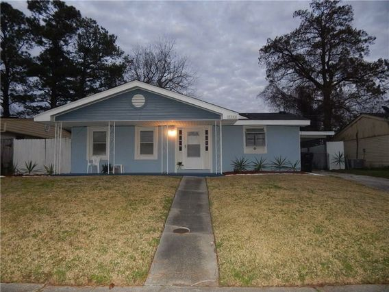 4743 WARREN Drive New Orleans, LA 70127