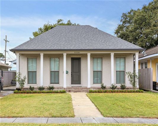5538 WOODLAWN Place New Orleans, LA 70124