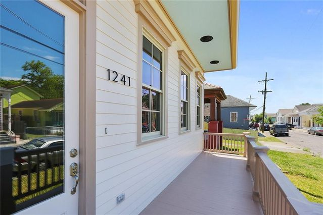 1241 LOUISA Street - Photo 2