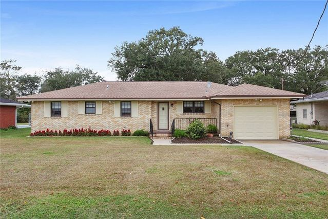 308 OAK Lane Luling, LA 70070
