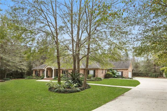 26 OAK GROVE Way Slidell, LA 70458
