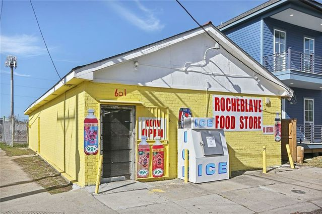 601 N ROCHEBLAVE Street - Photo 2