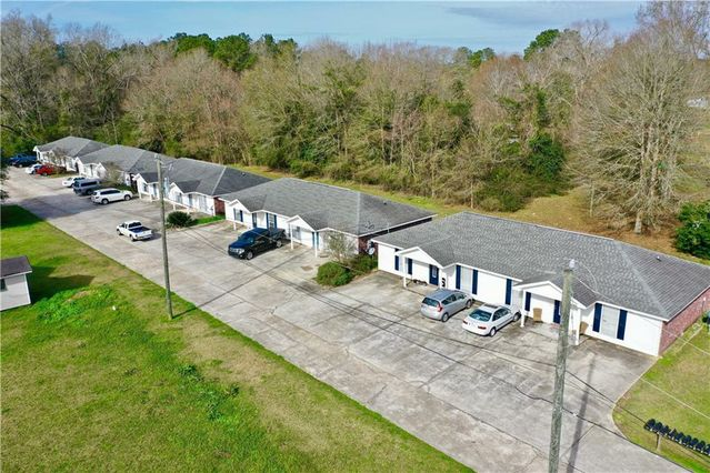48351 WOODHAVEN Road Tickfaw, LA 70466