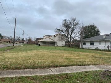 5401 ST. FERDINAND Drive New Orleans, LA 70126