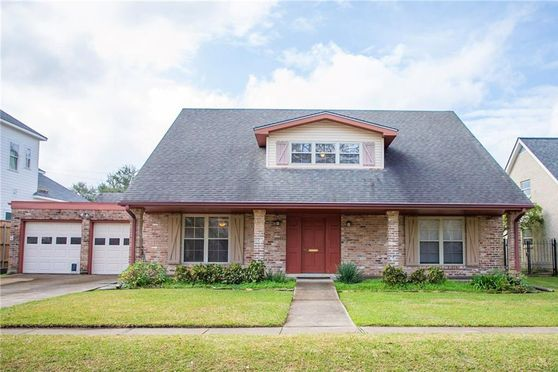 4904 CLEVELAND Place Metairie, LA 70003