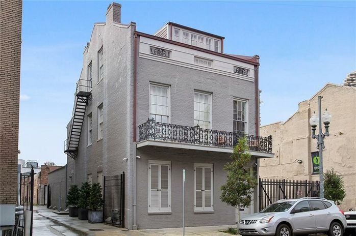 815 BARONNE Street - Photo 3