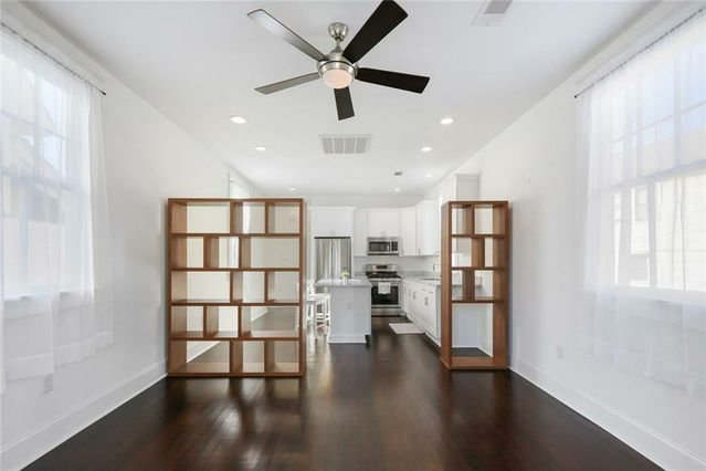 2212 BARRACKS Street - Photo 3