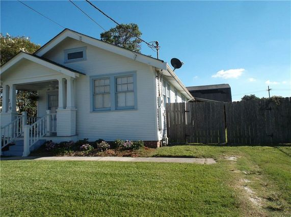 110 STAFFORD Place - Photo 3