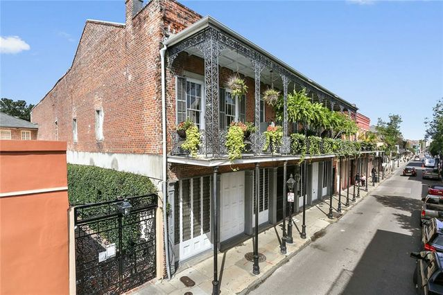 921 CHARTRES Street #16 - Photo 2