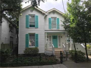 2625 NASHVILLE Avenue New Orleans, LA 70115