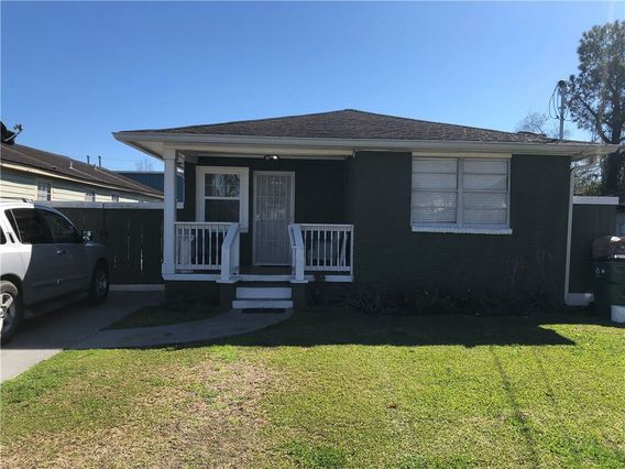 1451 S MEADOW Street Metairie, LA 70003