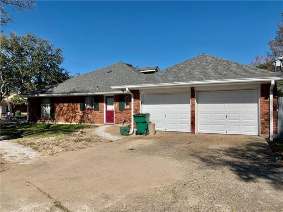 4601 CLEARVIEW Parkway - Photo 2