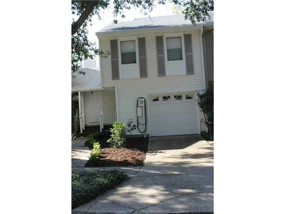 904 OLD METAIRIE Place Metairie, LA 70001
