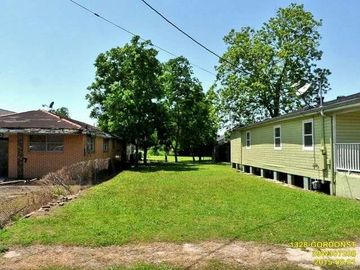 1328 GORDON Street New Orleans, LA 70122