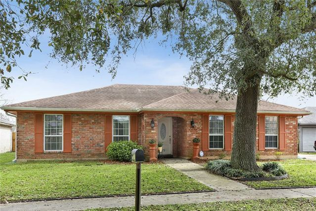 7201 BENSON Court New Orleans, LA 70127