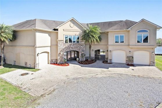 121 KERRY'S POINT EAST Des Allemands, LA 70030