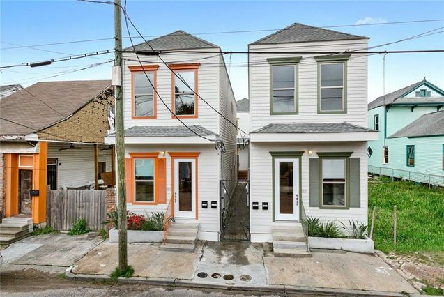 1327 FRENCHMEN Street New Orleans, LA 70116