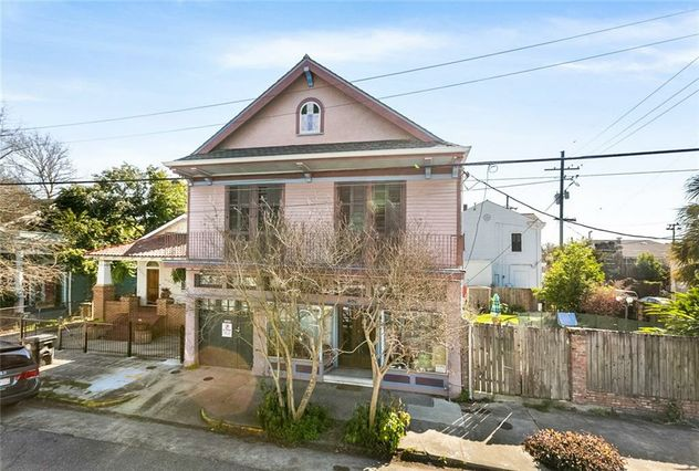 805 LOUISA Street - Photo 2
