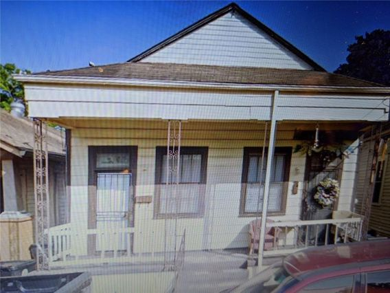 2508 CAMBRONNE Street New Orleans, LA 70118