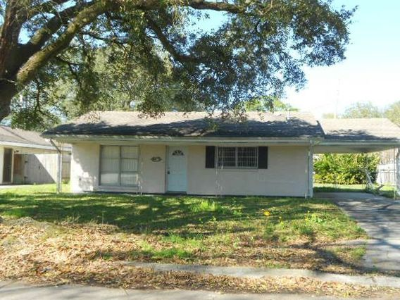 5932 STRATFORD Place New Orleans, LA 70131