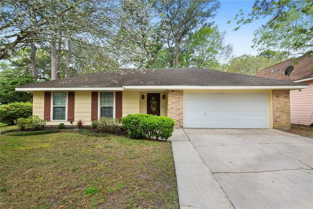 1277 SAINT CHRISTOPHER Street Slidell, LA 70460