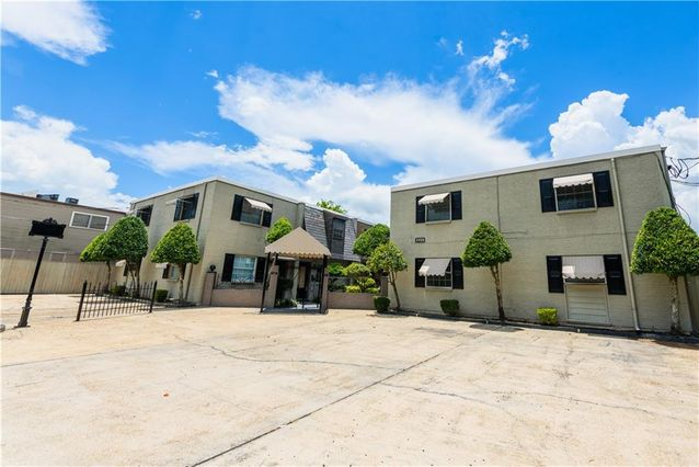 3412 TRANSCONTINENTAL Drive Metairie, LA 70006