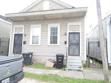 2818 JOSEPHINE Avenue New Orleans, LA 70113