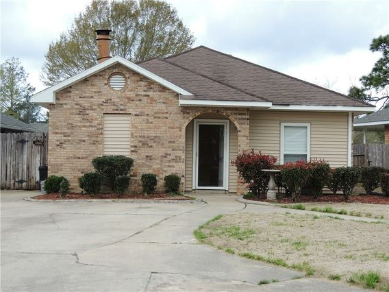1104 ROSE MEADOW Loop Slidell, LA 70460