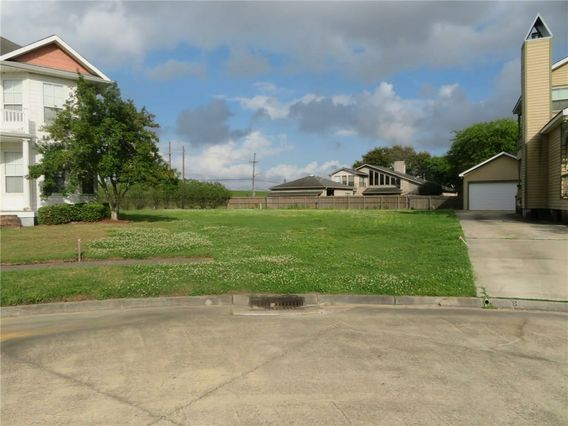 SEAWARD Court New Orleans, LA 70131